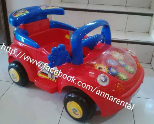 Mobil Aki Sedan Merah.jpg